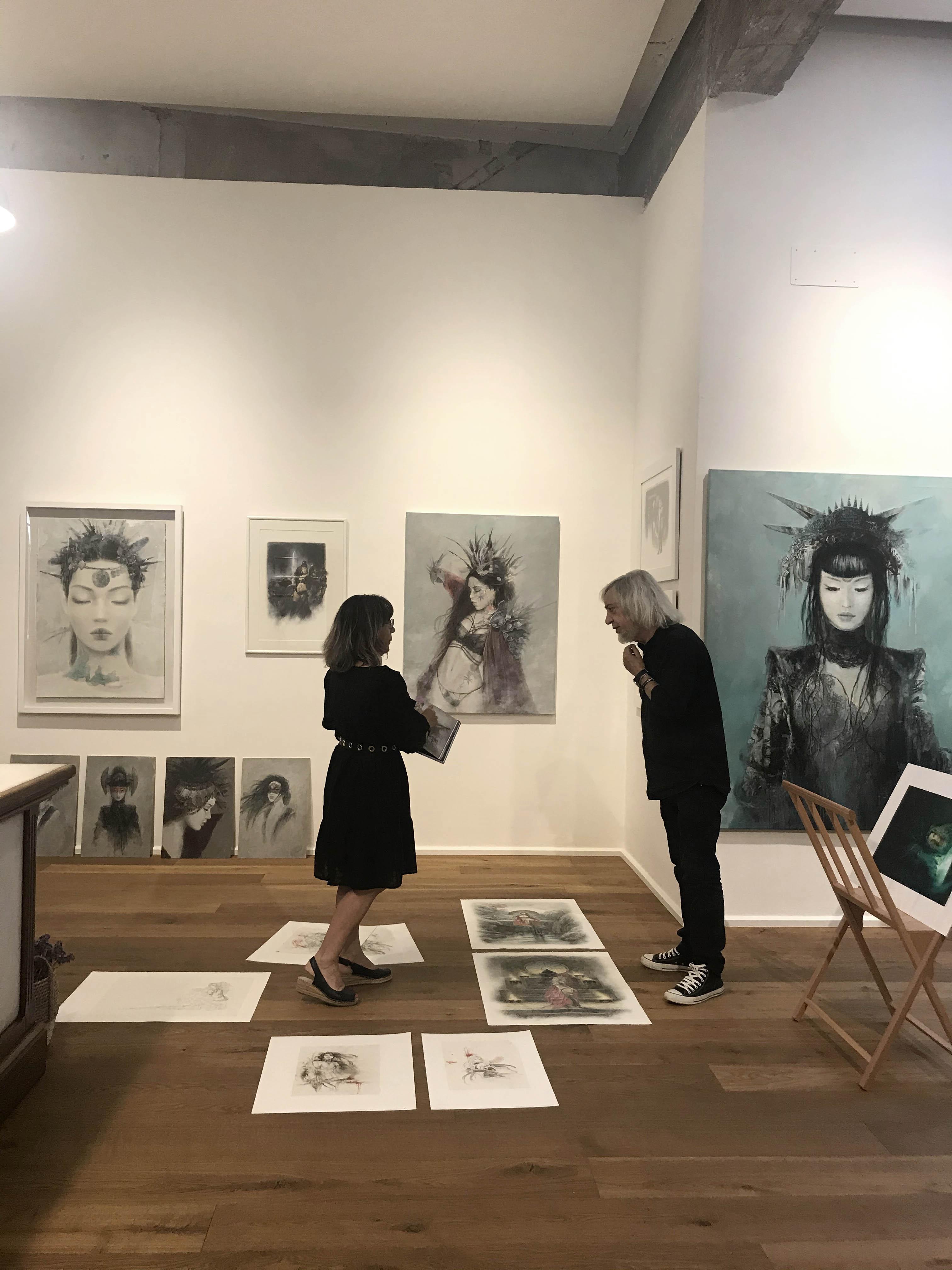 Fantastic_art_exhibition_Laberinto_gris_gallery_luis_royo_romulo_royo_3