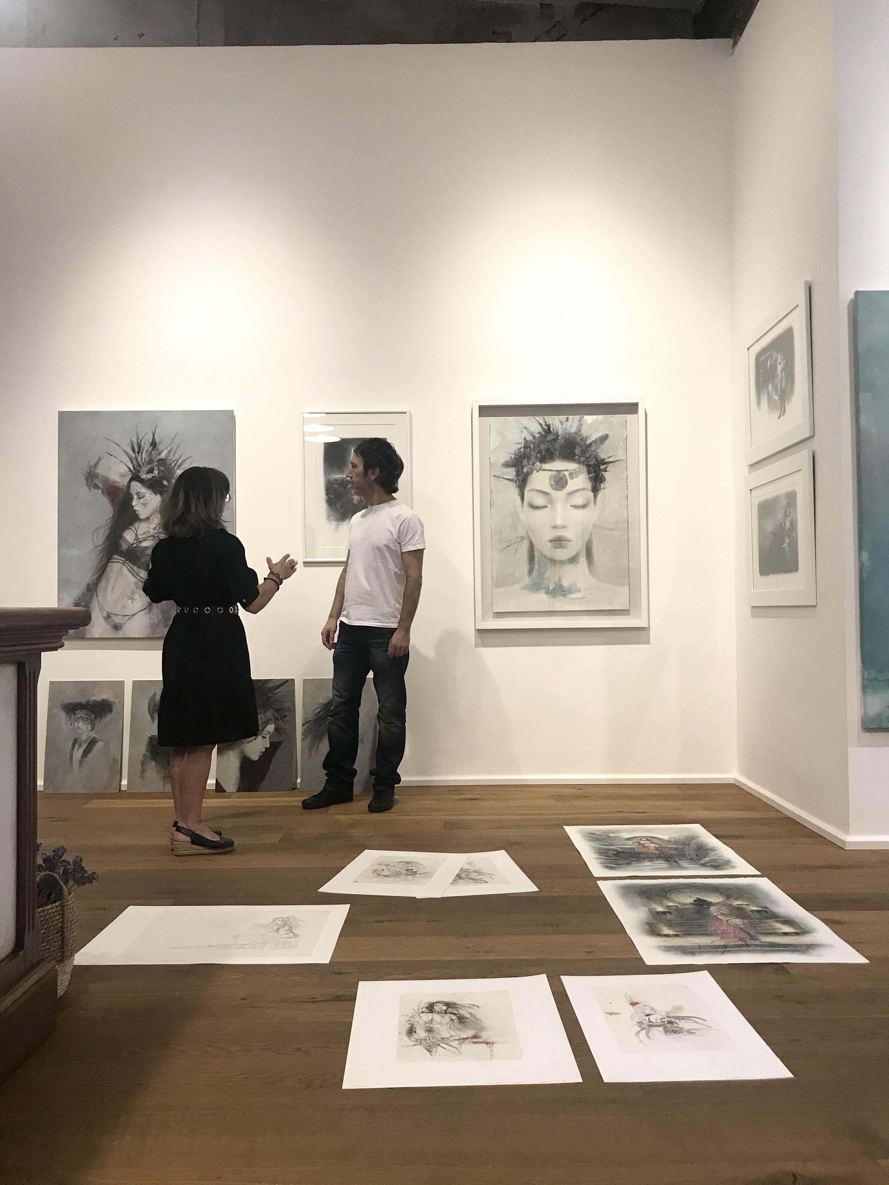Fantastic_art_exhibition_Laberinto_gris_gallery_luis_royo_romulo_royo_4
